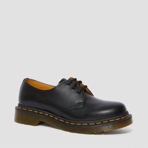 Dr. Martens 1461 3 eyes shoe